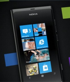 Nokia unveils first Windows Phone devices, €420 'hero' handset Lumia 800 due to hit Europe in November