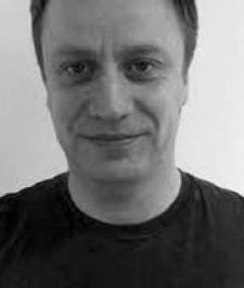 Having poached Nintendo dude, Apple UK gets Activision's European PR head Nick Grange