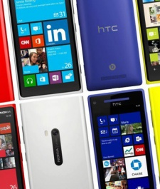 Windows Phone outshipping BlackBerry 10 by almost 3 to 1