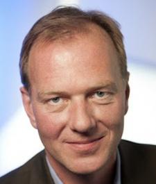 Games will shine on 'shit hot' BlackBerry 10, says RIM's Volker Hirsch
