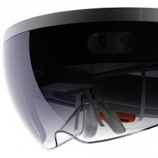 Report: Microsoft plans to unveil Hololens 2 in late 2018